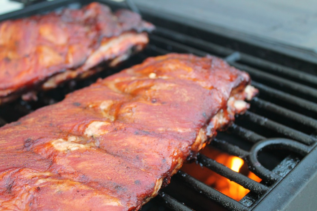 Homemade barbecue sauce on smoked ribs 7