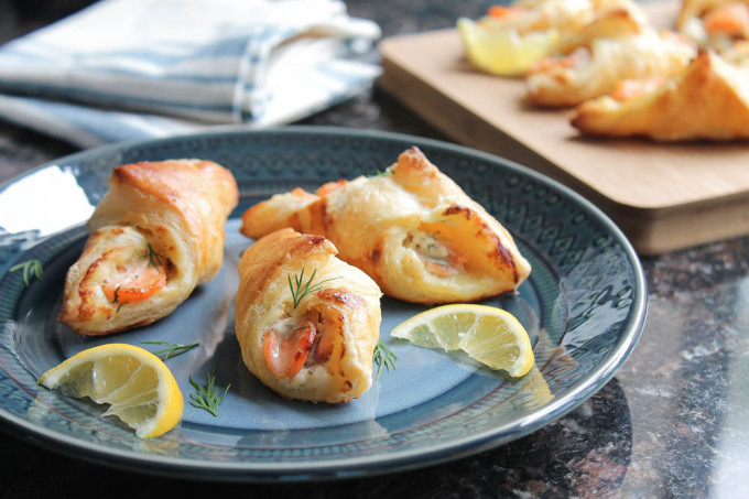 Salmon Pastry Appetizer with Lemon and Dill Cream Cheese Filling