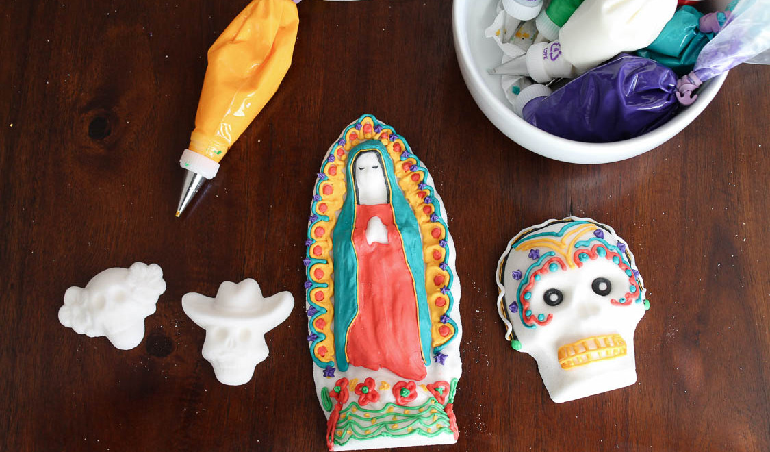 How To Make Sugar Skulls For Day of The Dead | Perfect for Day of The Dead Themed Parties