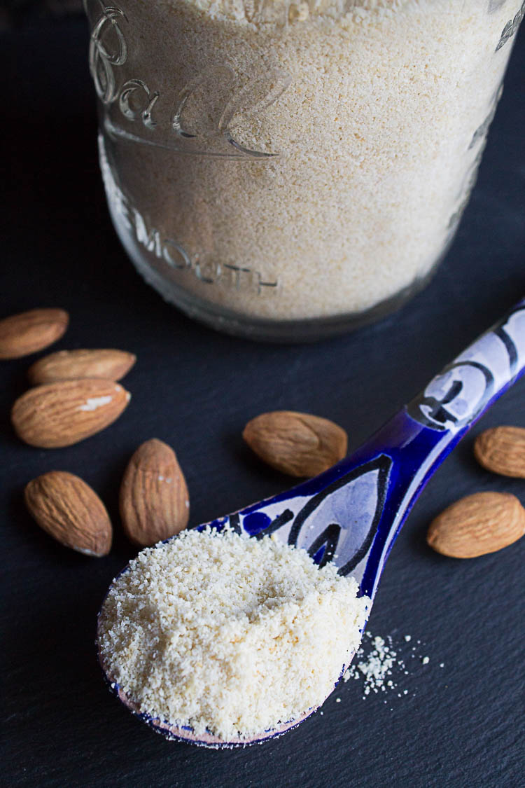 how to make almond flour from almond pulp